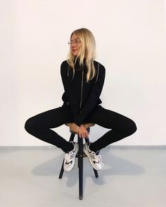 how to style outfits Love Fashion, Fashion Beauty, Autumn Fashion, Fashion Outfits, Simple Style, Style Me, Freja Wewer, Mode Inspiration, Look Cool