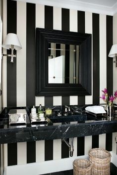 black and white bathrooms | ... out our round up of black and white bathrooms in traditional style
