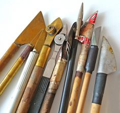 Silvia corder vega pen at DuckDuckGo Calligraphy Tools, Calligraphy Letters, Ceramic Tools, Pottery Tools, Pencil Writing, Pen And Paper, Mark Making, Writing Instruments, Brush Pen