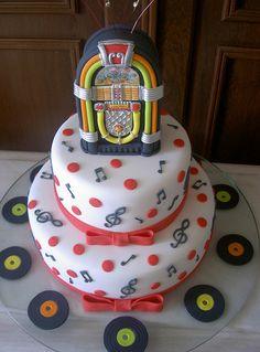 Bolo 15 anos - Juke Box by A de Açúcar Bolos Artísticos, via Flickr