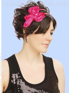 Add a headband for a pop of color and to add interest to your everyday style :)