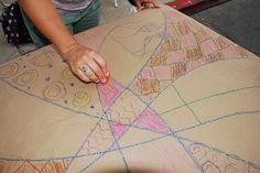 Creating Zentangles with Nature of Art for Kids street fair booth in Encinitas, photo by Mandy Sicard of Sweet & Sassy Portraits. Preschool Boards, Street Fair, Zen Tangles, Art Night, Tangle Art, Doodles Zentangles, Inner Child, Fine Motor Skills, Art School