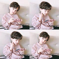 Cậu nhóc cực dễ thương với động tác lưu vào tim giống hệt thưc tập sinh Hàn Quốc! - Ảnh 9.