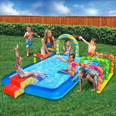 The kids will have a blast with the Banzai Obstacle Course Activity Pool. Outdoor Toys For Kids, Backyard For Kids, Backyard Ideas, Inflatable Island, Inflatable Slide, Big Water Slides, Field Day Games, Portable Swimming Pools, Inflatable Obstacle Course