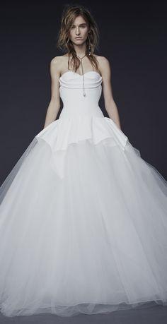 Vera Wang Fall 2015 Wedding Dresses Collection - World of Bridal 2015 Wedding Dresses, Wedding Dress Sizes, Bridal Dresses, Wedding Gowns, Fall Dresses, Prom Dresses, Vera Wang Bridal, Vera Wang Wedding, Bridal Looks