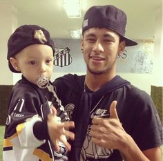Neymar and his son davi lucca Neymar Jr, Brazilian Soccer Players, Messi And Ronaldo, My Champion, Team Player, Young Boys, Father And Son, Fc Barcelona, Football Players