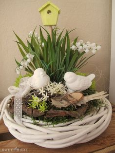 ♥ ~ ♥ Spring into Easter ♥ ~ ♥ Easter Flower Arrangements, Easter Flowers, Spring Flowers, Floral Arrangements, Deco Floral, Easter Table, Easter Wreaths, Spring Crafts, Easter Crafts