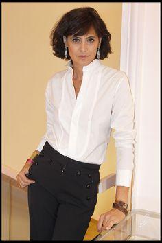 Ines de la Fressange et sa chemise de smoking en 2010.  - 10