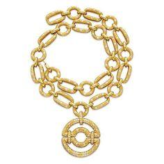 Christie's Auction Elizabeth Taylor's Van Cleef Arpels Jewelry  ... luxury-insider.com