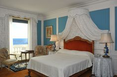 Hotel Le Negresco in Nice Russian Boys, Last Minute Hotel Deals, Hotel Reservations, Antibes, Best Cities, Interior Architecture, The Neighbourhood, Bed, Room