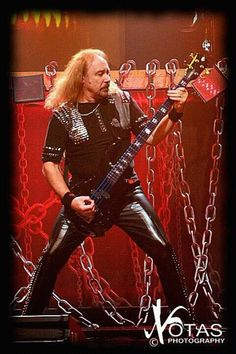 Ian Hill-Judas Priest......... Defender Of The Faith, Metal Health, Famous Musicians, Judas Priest, Defenders, Rockers, Classic Rock, Metal Bands, 4 Life