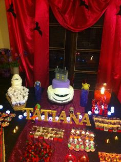 The breathtaking Hotel Transylvania Hotel Transylvania Party, Hotel Party, 10th Birthday Parties, Birthday Party Decorations, 4th Birthday, Birthday Ideas, Festa Frozen Fever, Hotels For Kids, Halloween Entertaining