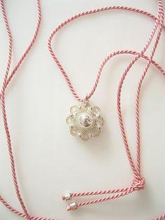 Silver Charm Zeeuwse knop on Pink Silk Cord door RosieLenaJewelry