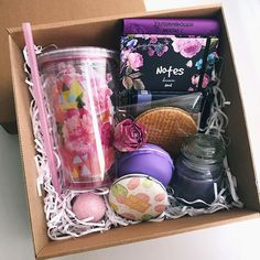Unique Gift Ideas For Wife Diy Christmas Gifts For Friends, Christmas Gift Baskets, Birthday Gifts For Best Friend, Best Friend Gifts, Xmas Gifts, Cute Gifts, Diy Gifts, Christmas Diy, Cute Birthday Gift