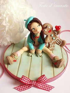 Gingerbread in love - Cake by Torte d'incanto Fondant Toppers, Fondant Cakes, Cupcake Cakes, Fondant Figures, Marzipan, Modeling Chocolate, Fondant Tutorial, Sugar Craft, Novelty Cakes