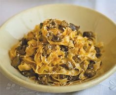 Antonio Carluccio's chicken liver pasta is the perfect recipe with salt and pepper. Find these and other salt and pepper recipes on EatOut