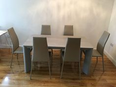 Contemporary dining set with our New York ceramic top extendable dining table and the Vita dining chairs. Delivered to our client in Essex. Contemporary Dining Sets, Contemporary Furniture, Dining Chairs, Dining Room, Leather Bed, Extendable Dining Table, Sofa Design, Modern Bedroom, Steel Frame