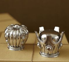 crowns salt and pepper shakers