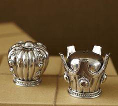 Crowns Salt & Pepper Shakers http://rstyle.me/n/dabykr9te