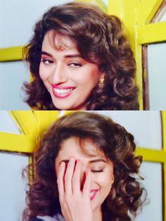Madhuri Dixit in Hum Aapke Hain Kaun Top 10 Bollywood Actress, Bollywood Stars, Bollywood Celebrities, Beautiful Heroine, Beautiful Actresses, Beautiful Women, Hum Aapke Hain Koun, Vintage Bollywood, 90s Hairstyles