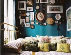 eclectic bedroom is all about finding that right balance between what you love. In this post we have a collection of 25 cool eclectic bedroom design ideas Turquoise Walls, Teal Walls, Green Walls, Color Walls, Wall Colors, Turquoise Bedrooms, Turquoise Furniture, Bright Walls, Turquoise Color