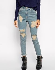 http://www.asos.com/ru/ASOS/ASOS-Farleigh-High-Waist-Slim-Mom-Jeans-in-Davina-Wash-with-Extreme-Rips/Prod/pgeproduct.aspx?iid=4310992&SearchQuery=ripped%20jeans&sh=0&pge=5&pgesize=36&sort=-1&clr=Mid+wash&totalstyles=271&gridsize=4 Рваные джинсы слим в винтажном стиле ASOS Farleigh