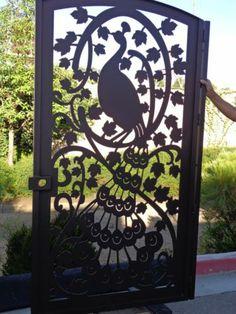 PEACOCK METAL GATE HAWAIIAN ISLAND BIRD HAWAII ORIENTAL IRON GARDEN ENTRY ART