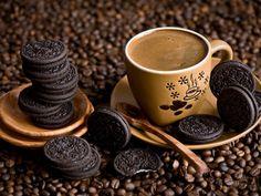 ... por um domingo de amor, paz, cafézinhos, guloseimas e risadas, né??????... beijinhos ♥
