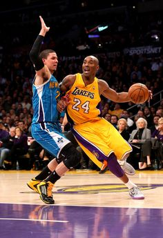 Kobe Bryant vs. Hornets (42 Pts, 12 Ast, 7 Reb)