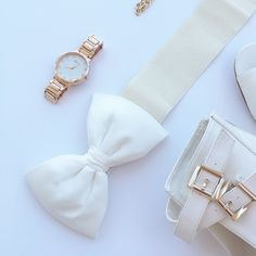 """White Elastic Bow Belt White bow belt. Great for any occasion. Dress up your gorgeous dress or your everyday look with this pretty belt. Closed with snap buttons. Belt does stretch.   •Imported from Germany•  Measures Total length: 25"""" unstretched  Bow: 16cm  ▪️NWT  No Trade Accessories Belts"""