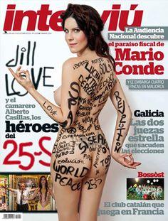 Su desnudo contra la violencia el 25-S en la plaza de Neptuno la convirtió en un símbolo. Pero ni es activista ni estaba preparado. Jill Love, una cineasta a quien la situación obligó a irse de España y que reza a la diosa Isis, protagoniza este reportaje, en el que por primera vez se reúne con el otro protagonista de la protesta, Alberto Casillas, el camarero que se enfrentó a la policía