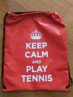 Tula Keep tennis roja Dimensiones: 30x40cm