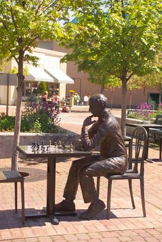 It's your move!  Vogel Plaza in Medford, Oregon