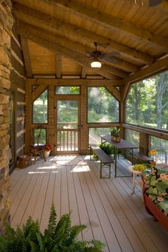 Fascinating screened porch design More Bonuses Cabin Porches, Home Porch, House With Porch, Country Porches, Southern Porches, Screened Porch Designs, Backyard Patio Designs, Screened Porch Decorating, Screened Porches