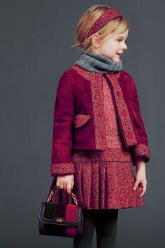 Dolce & Gabbana Outono/Inverno 2014-15 Uma floresta medieval, no qual a temperamentalEleonor, Duquesa de Aquitânia, Condessa de Poitiers e rainha