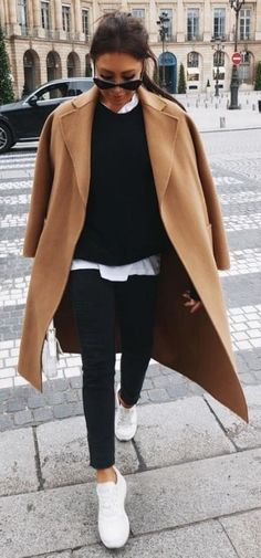 Fall Layers. Zara Outfit, Beige Outfit, White Sneakers Outfit, Brown Sneakers, Winter Mode Outfits, Trendy Fall Outfits, Winter Outfits Women, Winter Fashion Outfits, Look Fashion