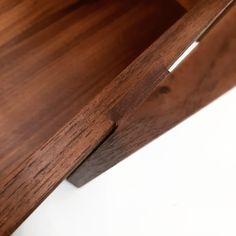 costurero, sewingbox, black walnut, nogal Butcher Block Cutting Board, Woodworking, Black, Home, Black People, Joinery, Wood Working, Woodwork, Carpentry