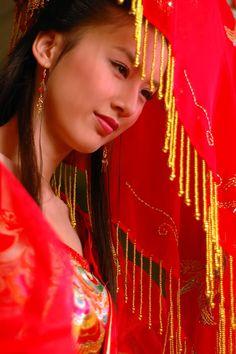"♥<°Photography°>♥ ""Eva Huang.  Stile: antica sposa cinese.  """