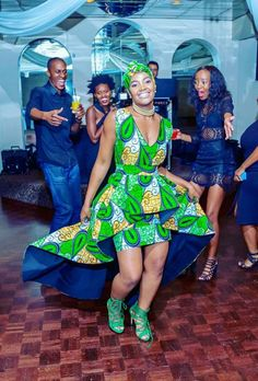 New York Meets South Africa Wedding: Morning Precious One. I've had this New York meets Africa wedding at the foref African Print Fashion, Africa Fashion, Ankara Fashion, African Prints, African Print Dress Designs, African Design, Shweshwe Dresses, South African Weddings, African Attire