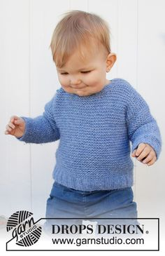 Knitted jumper for babies and children in DROPS Air. The piece is worked top down with garter stitch. Baby Knitting Patterns, Baby Cardigan Knitting Pattern, Jumper Patterns, Knitting Designs, Baby Patterns, Free Knitting, Drops Design, Knit Baby Sweaters, Knitted Baby Blankets