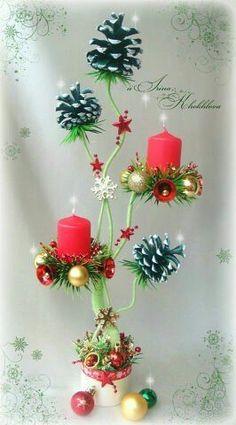 Diy Christmas Decorations Easy, Pine Cone Decorations, Christmas Centerpieces, Table Decorations, Retro Christmas, Christmas Design, Christmas Holidays, Christmas Wreaths, Christmas Ornaments