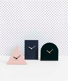 Thea Table Clock Forest. | http://www.huntingforgeorge.com