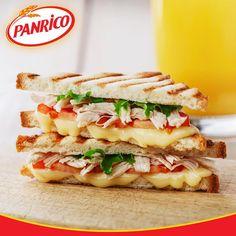 E para o jantar… Tosta de frango com queijo, tomate e alface. Saiba mais no nosso Facebook (https://www.facebook.com/PanricoPortugal/)