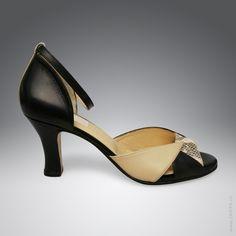 Elegante Riemchen-Sandalette mit drei Farben