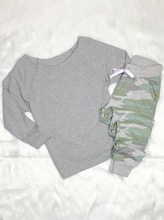 Camo Joggers and off the Shoulder Top #summerstyle #outfitideas #ootd #beautiful #outfitinspo #shopsmall #happy #styleblogger #fashionblogger #onlineshopping #onlineboutique #ltkunder50 #boutiqueshopping #fashion #shoplocal #style #summertime #summervibes #blogger #onlinestore #ootd #momstyle #stayhome #streetstyle #outfitgoals #comfyoutfit #outfits Badass Style, Camo Joggers, Off The Shoulder, Shoulder Tops, Vacation Style, Comfy Casual, Outfit Goals, Camo Print, Mom Style