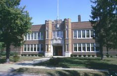 US Grant Elementary School, Royal Oak, MI. Demolished in the at Irving and street Royal Oak Michigan, My Town, Elementary Schools, Mansions, Street, House Styles, Places, Childhood, Quotes