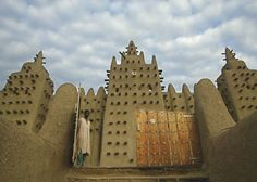 On the Trail of Traders in Timbuktu, Mali - 50 Ultimate Travel Bucket List Ideas . Lost City Of Gold, Fantastic Voyage, Beautiful Mosques, New Africa, Old Maps, World Cities, Ultimate Travel, Amazing Destinations, Travel Destinations