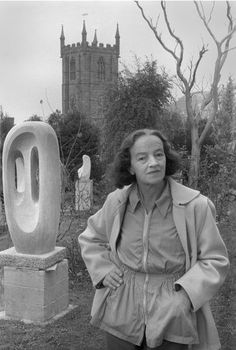 Hepworth in St Ives Stone Sculpture, Modern Sculpture, Abstract Sculpture, Sculpture Art, History Images, Art History, Fridah Kahlo, Barbara Hepworth, Draw On Photos