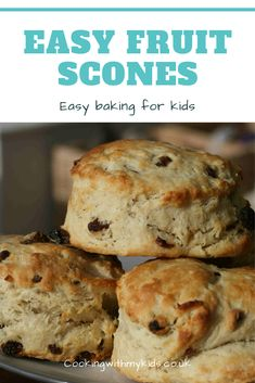 Easy fruit scones Fruit scones couldn't be simpler for kids to make and with less sugar than a lot of bakes, they're healthier too! Pear And Almond Cake, Almond Cakes, Easy Baking For Kids, Baking Scones, Bread Baking, Baking Recipes, Dessert Recipes, Dinner Recipes, Fruit Scones