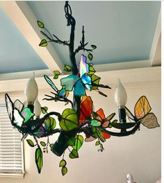 Stained glass d Stained Glass Lamps, Stained Glass Designs, Stained Glass Projects, Stained Glass Patterns, Stained Glass Windows, Mosaic Glass, Fused Glass, Turquoise Chandelier, Glass Butterfly